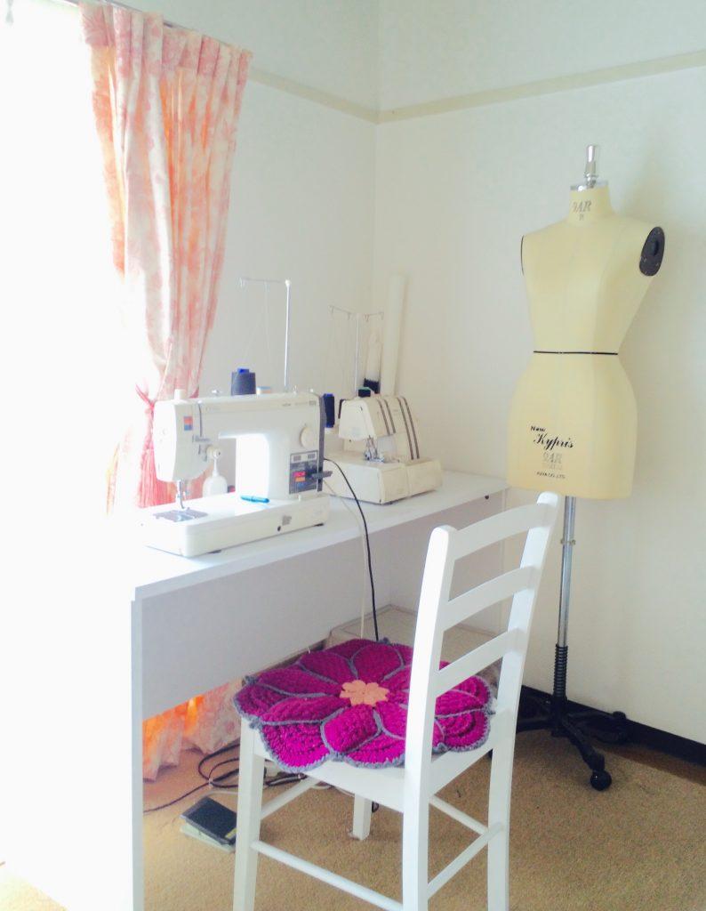 私のアトリエです、いつもここで大好き旗袍を縫っています。
