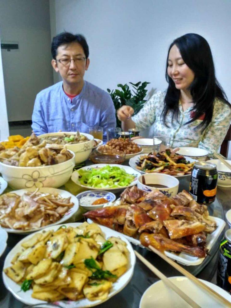 たくさん家庭料理が並んだ中華料理の数々。