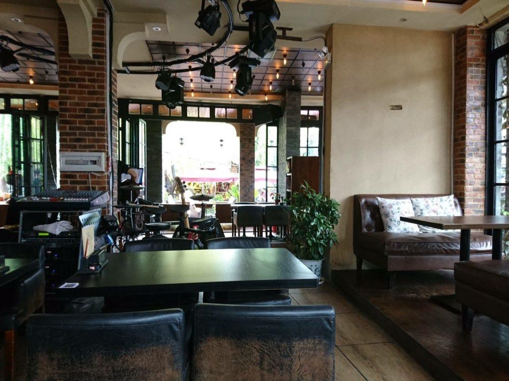 束河古鎮のカフェ