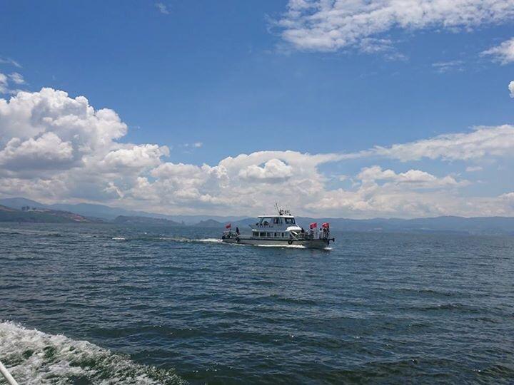 洱海の遊覧船。
