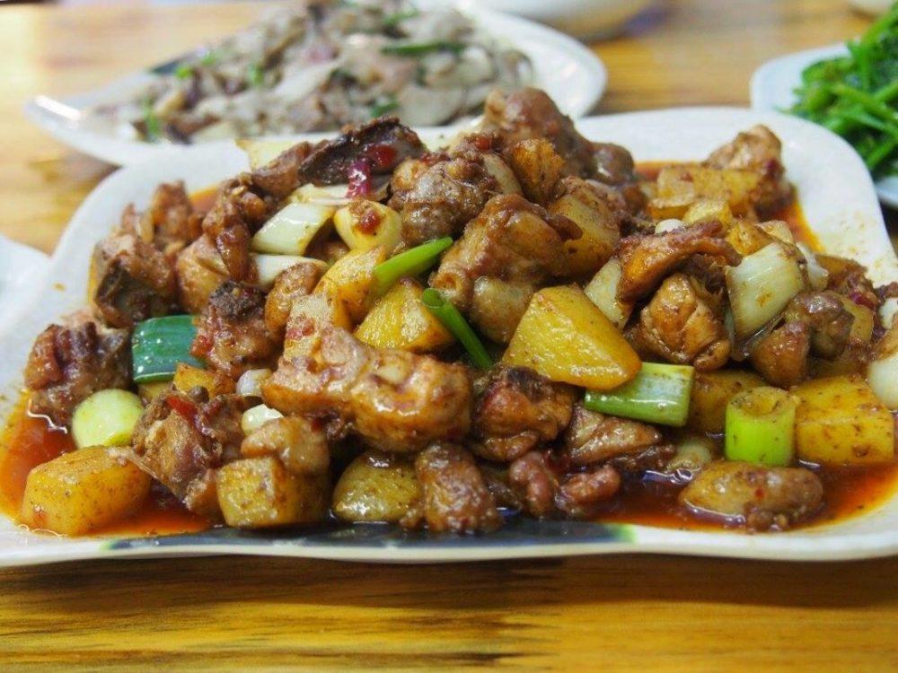 「黄焖鸡」鶏肉料理です。-in麗江。