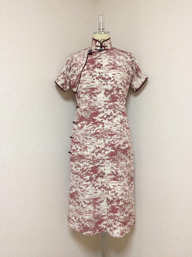 レトロ小紋の平連袖旗袍-スカートは少しAライン。