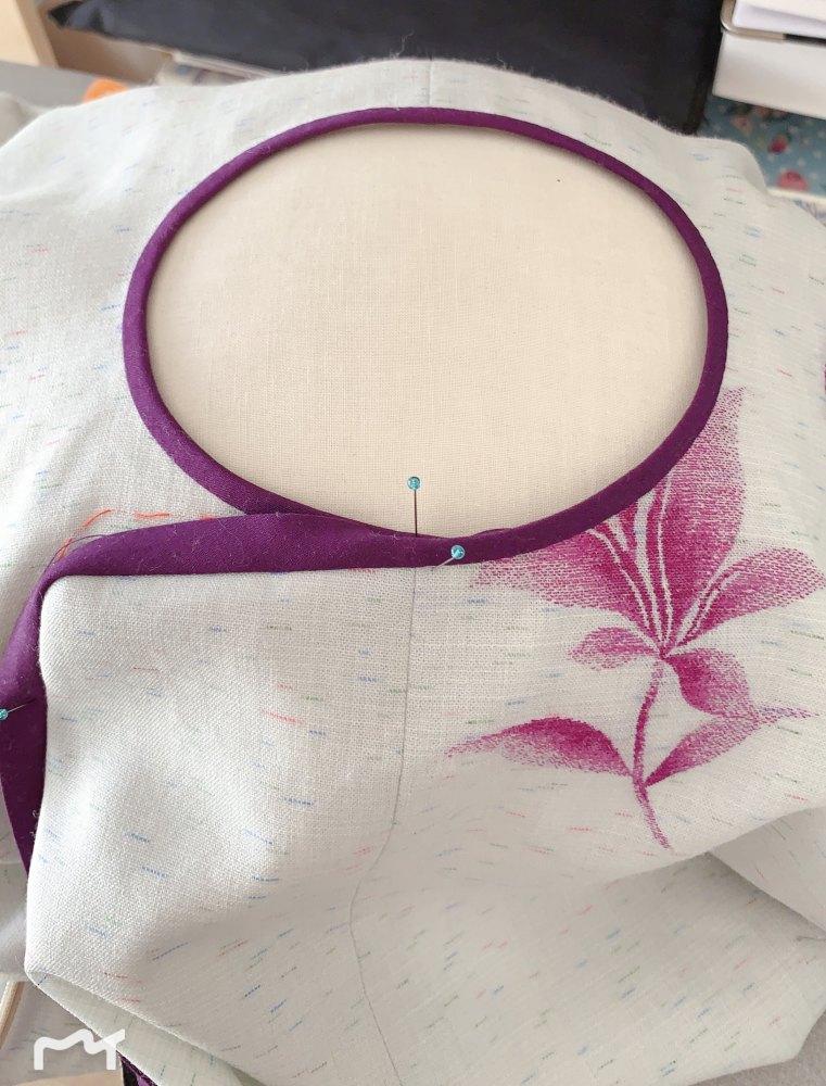 襟別付けの襟ぐりが特に難しいです。