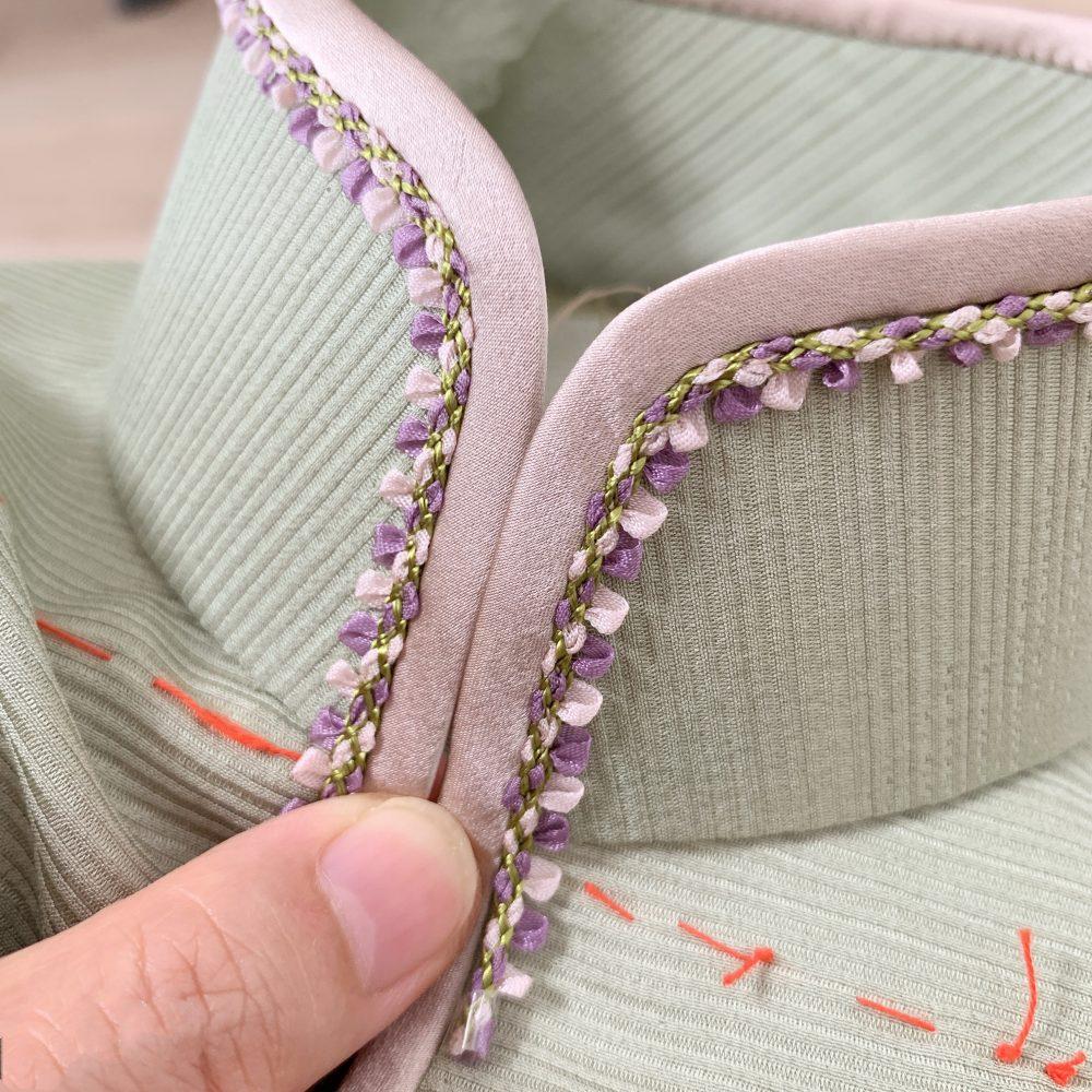 正絹の反物を使用した平連袖旗袍。