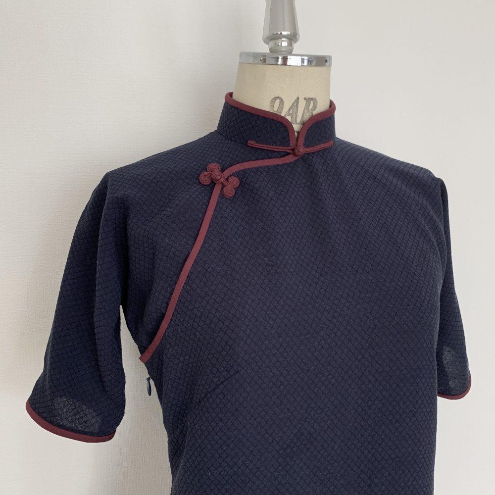 平連袖タイプのチャイナドレス